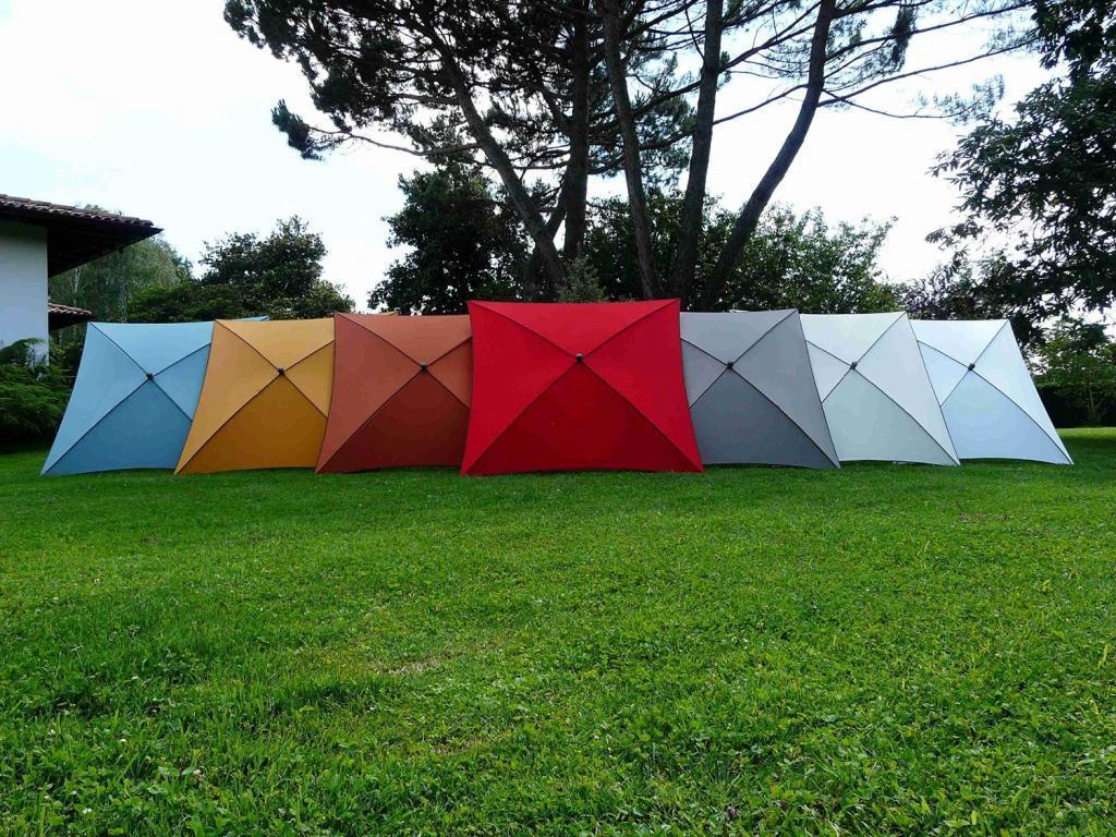 Зонт садовый с поворотной рамой Border