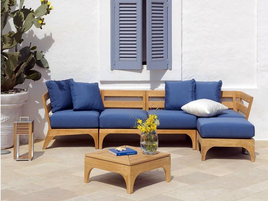 Комплект мебели с подушками Village