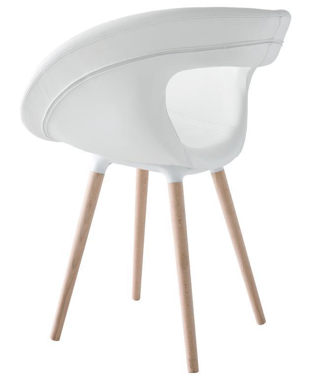 Кресло с обивкой Moema 75 BL
