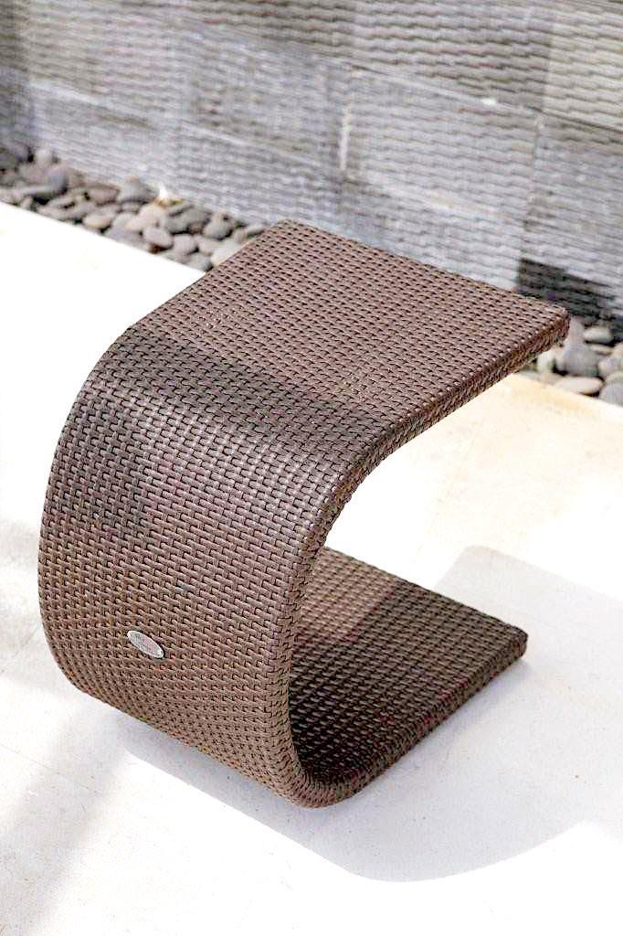 Стол плетеный для лежака Cuatro