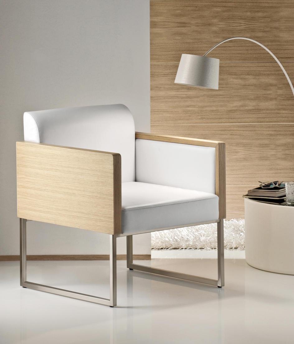 Кресло деревянное мягкое Lounge Box