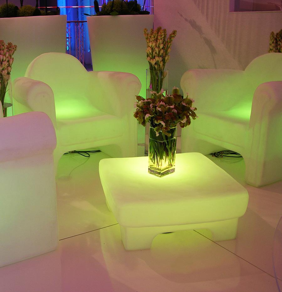 Стол журнальный пластиковый светящийся Little Table Lighting
