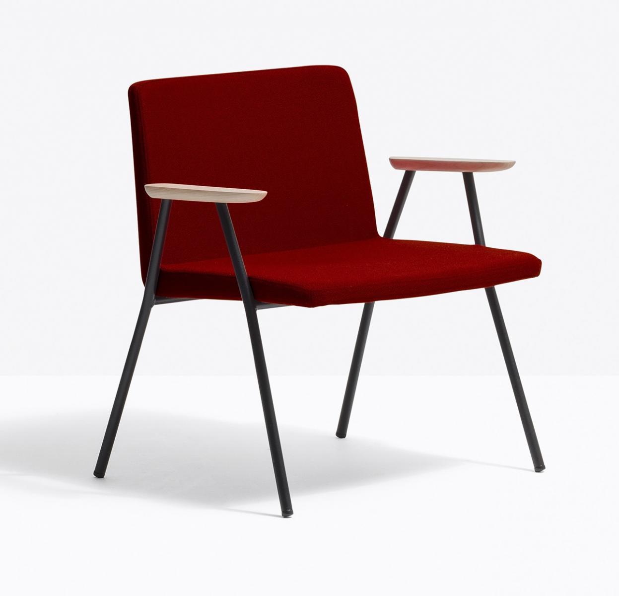 Кресло с обивкой Osaka