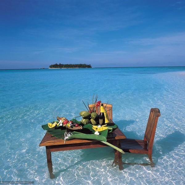 Столики кофейные и пляжные